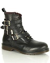 Daniel Besler Boot