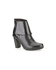 Clarks Womens Keswick Water Standard Fit