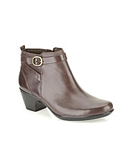 Clarks Womens Malia Hawthorn Wide Fit