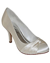 Perfect Pleated Court Shoe
