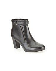 Clarks Womens Kalea Gillian Wide Fit