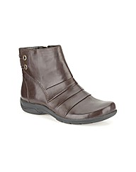 Clarks Womens Mells Ruth Wide Fit