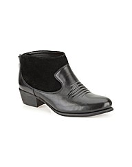 Clarks Womens Langdon Town Standard Fit
