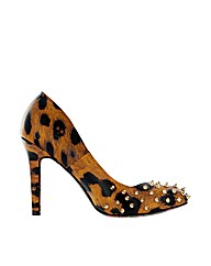 Iron Fist Change Your Spots Heel