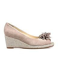 Van Dal Cocoa - Almond Sde/Silver Shoe
