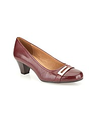 Clarks Womens Fearne Shine Wide Fit