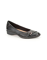 Clarks Womens Esmond Duchess Ex-Wide Fit