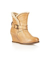 Lotus Cove Casual Boots