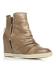 Moda in Pelle Cayen Short Boots
