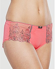 Neve Embroidery Short