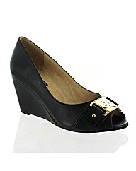 Marta Jonsson black leather wedge