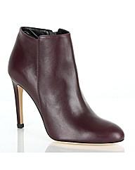 Daniel Olympias Boot