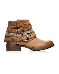 Moda in Pelle Avino Short Boots