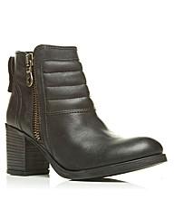 Moda in Pelle Beatrix Short Boots
