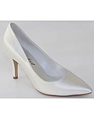 Perfect Dyeable Pointed Court Shoe
