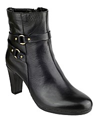 The Flexx San Biter Leather Ankle Boot