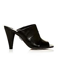 Moda in Pelle Lucenas Sandals