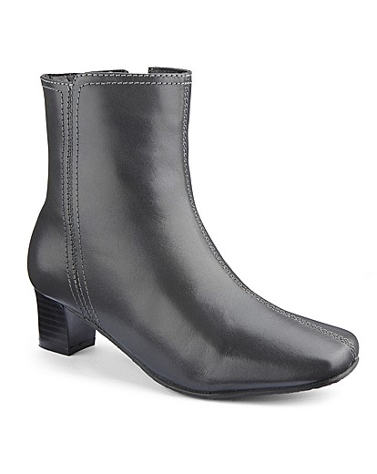 the shoe tailor ankle boots eee fit clearance