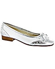 Riva Brogue Metallic Ballerina