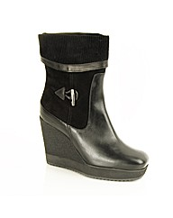 Daniel Obleque Boot