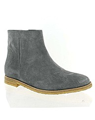Marta Jonsson grey suede ankle boot