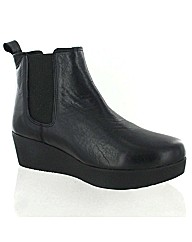 Marta Jonsson black leather ankle boot